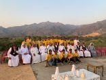 """الويمني يزور مزرعة الدارسي ويكرم المشاركين في مبادرة """"نأكل ما نزرع"""""""